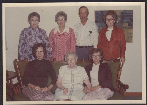 DeDonder children with their mother, Anna Germonprez DeDonder - Page