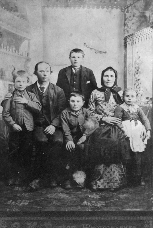Volga German family, Ellis, Kansas - Page