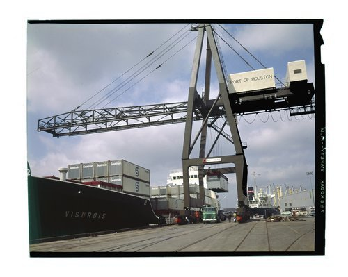 Atchison, Topeka &  Santa Fe railway unloading sealand containers, Port of Houston - Page