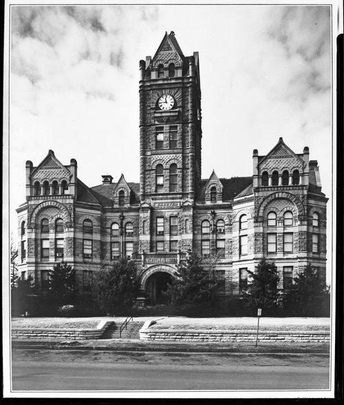 Shawnee County courthouse, Topeka, Kansas - Page
