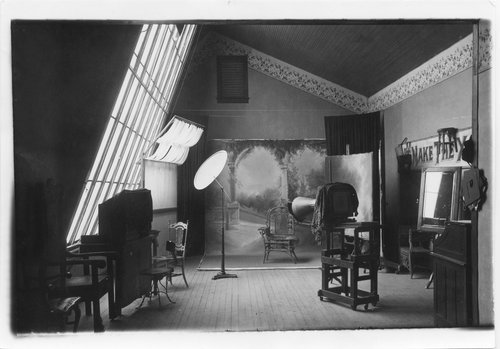 Boeger's photography studio, Topeka, Kansas - Page