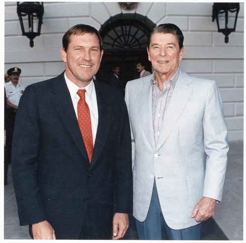 John Michael (Mike) Hayden, Kansas Governor, with President Ronald Wilson Reagan - Page