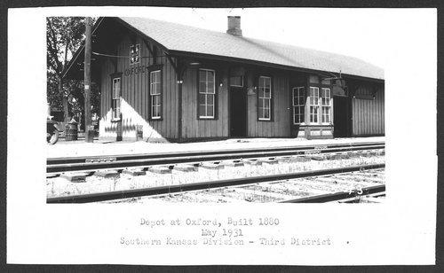 Atchison, Topeka & Santa Fe Railway Company depot, Oxford, Kansas - Page