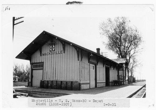 Atchison, Topeka & Santa Fe Railway Company depot, Macksville, Kansas - Page