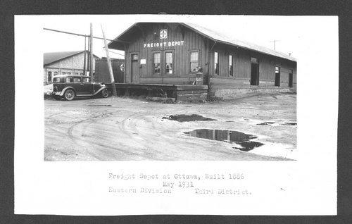 Atchison, Topeka and Santa Fe Railway Company's freight depot, Ottawa, Kansas - Page
