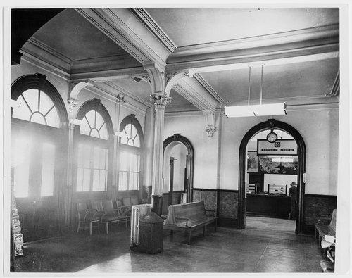 Atchison, Topeka and Santa Fe Railway Company depot, Topeka, Kansas - Page