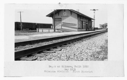Atchison, Topeka & Santa Fe Railway Company depot, Kildare, Oklahoma - Page