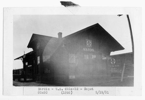 Atchison, Topeka & Santa Fe Railway Company depot, Nardin, Oklahoma - Page