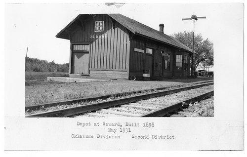 Atchison, Topeka & Santa Fe Railway Company depot, Seward, Oklahoma - Page