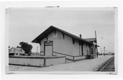 Atchison, Topeka & Santa Fe Railway Company depot, Alta Loma, Texas - Page