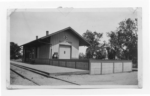Atchison, Topeka and Santa Fe Railway Company depot, Allenfarm, Texas - Page