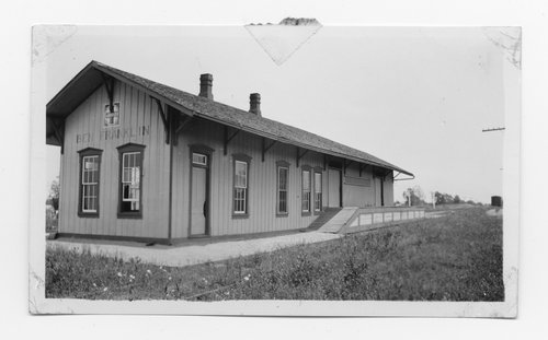 Atchison, Topeka and Santa Fe Railway Company depot, Ben Franklin, Texas - Page