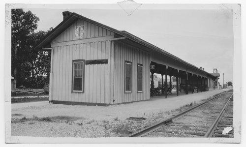 Gulf Colorado & Santa Fe Railway Company depot, Hitchcock, Texas - Page