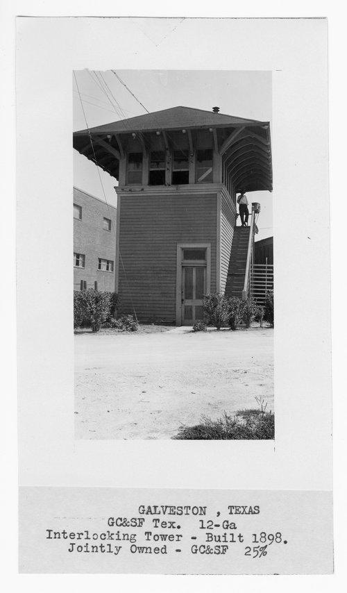 Gulf Colorado & Santa Fe Railway Company's interlocking tower, Galveston, Texas - Page