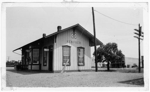 Gulf, Colorado & Santa Fe Railway depot, Kempner, Texas - Page