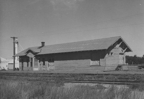 Atchison, Topeka & Santa Fe Railway Company depot, Manter, Kansas - Page