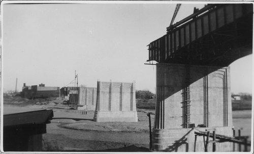 Topeka Avenue bridge, Topeka, Kansas - Page