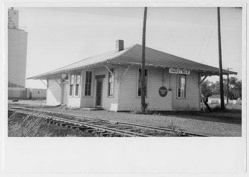 Missouri Pacific Railroad depot, Hardtner, Kansas - Page