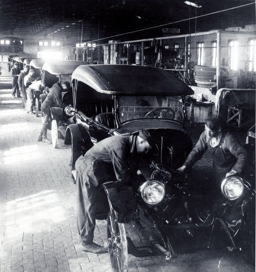 Jones Motor Car Company of Wichita assembly line - Page