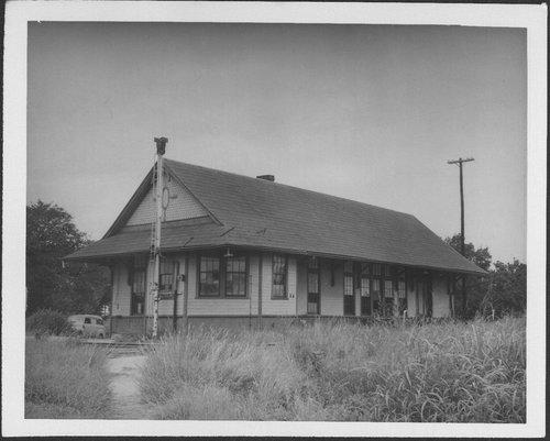 Missouri-Kansas-Texas and Atchison, Topeka & Santa Fe Railway Company joint depot, Walnut, Kansas - Page