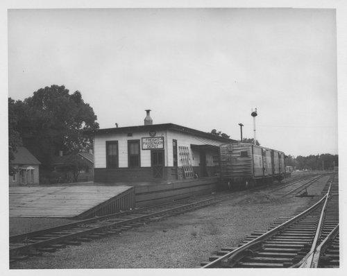 Missouri Pacific Railroad depot, Pittsburg, Kansas - Page