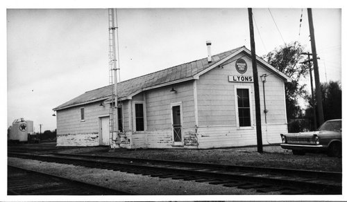 Missouri Pacific Railroad depot, Lyons, Kansas - Page