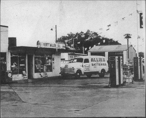 Vern Miller's service station, Wichita, Kansas - Page