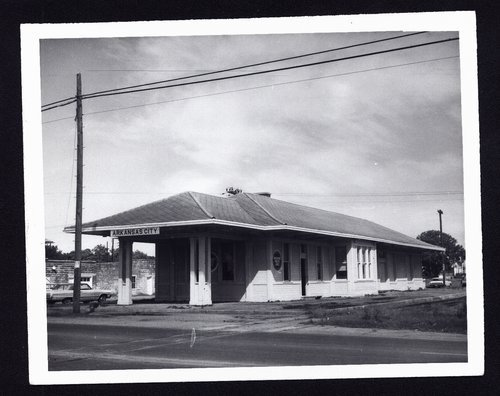Missouri Pacific Railroad depot, Arkansas City, Kansas - Page