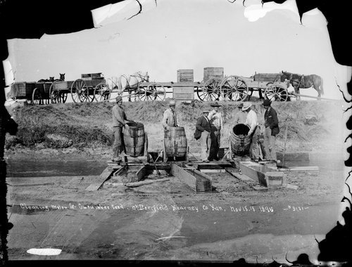 Cleaning melon and cucumber seed at Deerfield, Kearney [Kearny] County, Kansas - Page