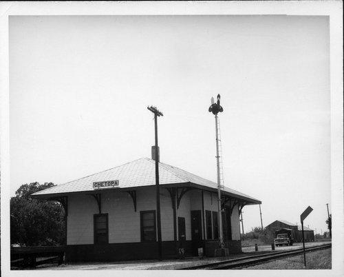 Missouri Pacific Railroad depot, Chetopa, Kansas - Page