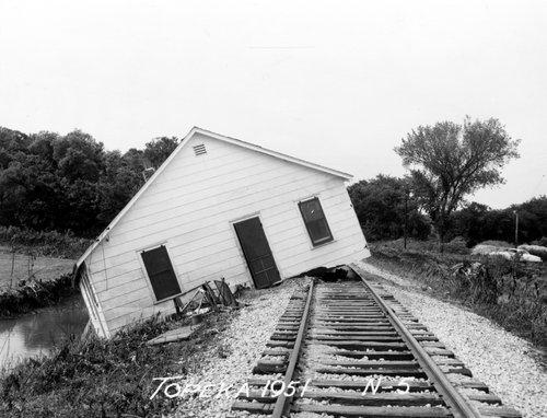 Topeka flood of 1951 - Page