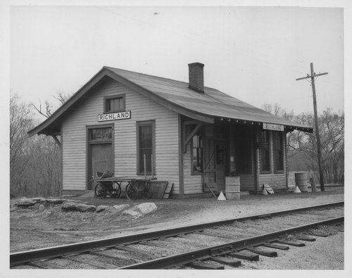 Missouri Pacific Railroad depot, Richland, Kansas - Page