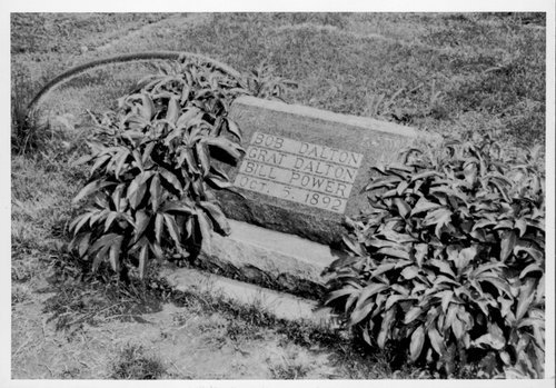 Grave marker for Bob Dalton, Grat Dalton, and Bill Power - Page