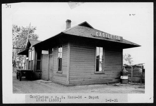 Atchison, Topeka & Santa Fe RailwayCompany depot, Castleton, Kansas - Page