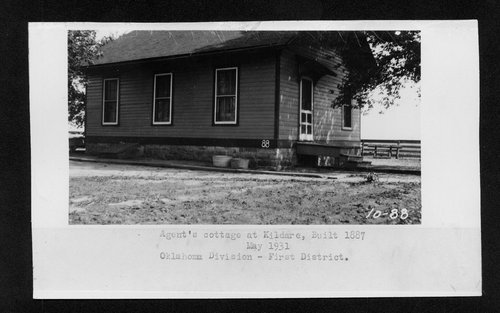 Atchison Topeka & Santa Fe agent's cottage in Kildare Oklahoma - Page