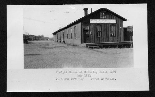 Atchison, Topeka & Santa Fe Railway freight house, Guthrie, Oklahoma - Page