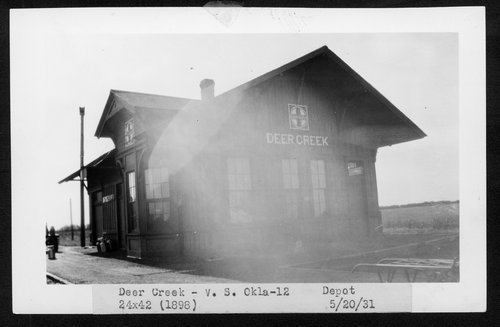 Atchison, Topeka and Santa Fe Railway Company depot, Deer Creek, Oklahoma - Page