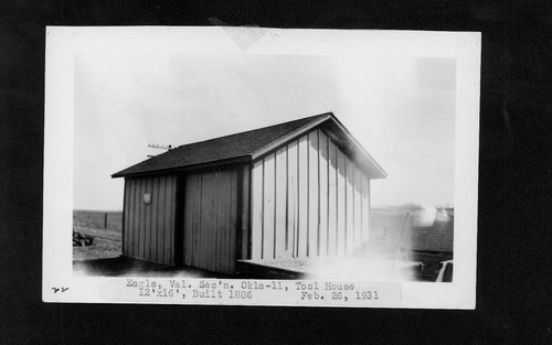 Atchison, Topeka & Santa Fe Railway Company tool house, Eagle, Oklahoma - Page