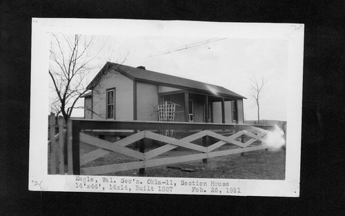 Atchison Topeka & Santa Fe Railway Company section house, Eagle, Oklahoma - Page