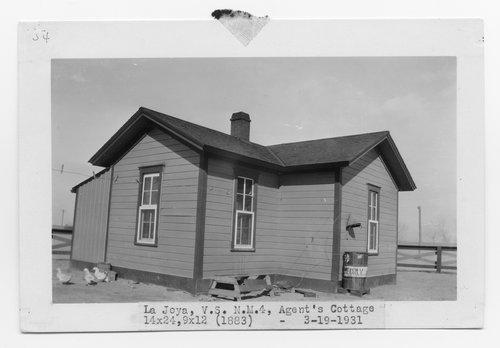 Atchison, Topeka & Santa Fe Railway Company's agent cottage, La Joya, New Mexico - Page