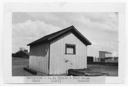 Atchison, Topeka & Santa Fe Railway Company tool house, Manzanola, Colorado - Page