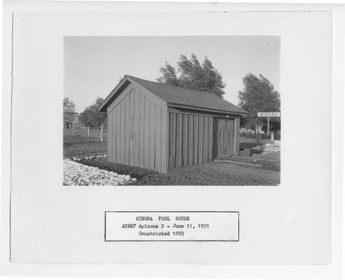 Atchison, Topeka & Santa Fe Railway Company tool house, Winona, Arizona - Page