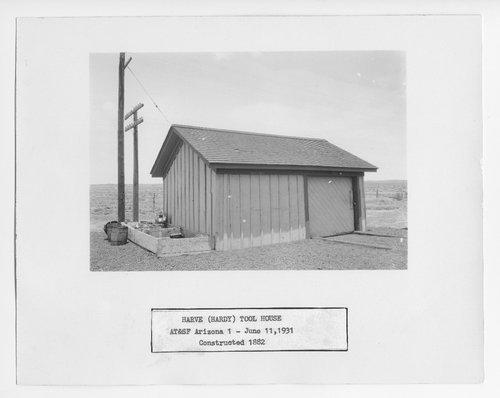 Atchison, Topeka & Santa Fe Railway Company tool house, Harve (Hardy), Arizona - Page