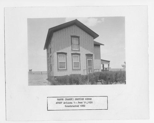 Atchison, Topeka & Santa Fe Railway Company section house, Harve (Hardy), Arizona - Page