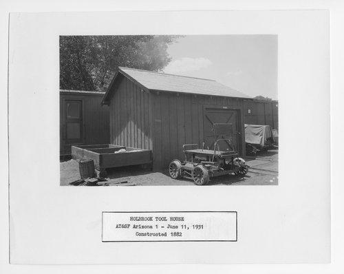 Atchison, Topeka & Santa Fe Railway Company tool house, Holbrook, Arizona - Page