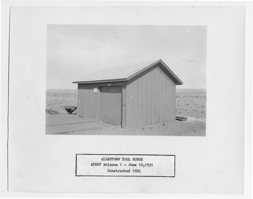 Atchison, Topeka and Santa Fe Railway Company tool house, Allantown, Arizona - Page