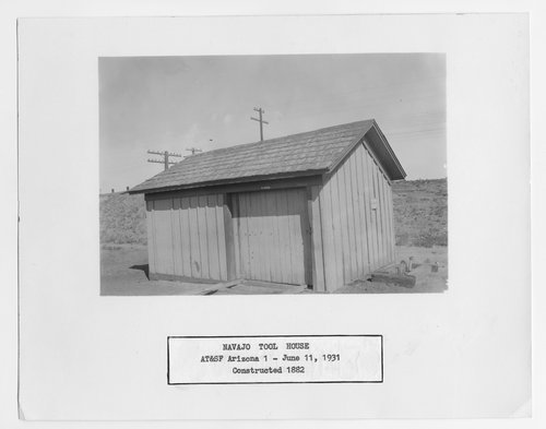 Atchison, Topeka and Santa Fe Railway Company tool house, Navajo, Arizona - Page
