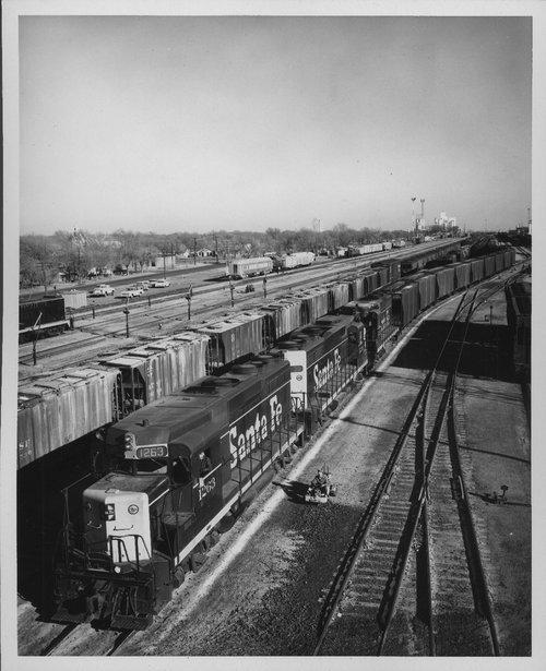 Atchison, Topeka & Santa Fe Railway Company yard, Clovis, New Mexico - Page