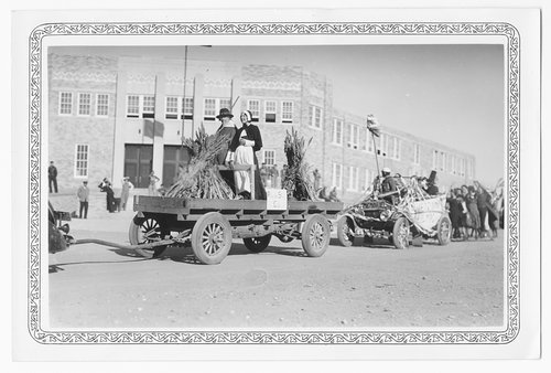 Thanksigiving Day parade, Cimarron, 1936
