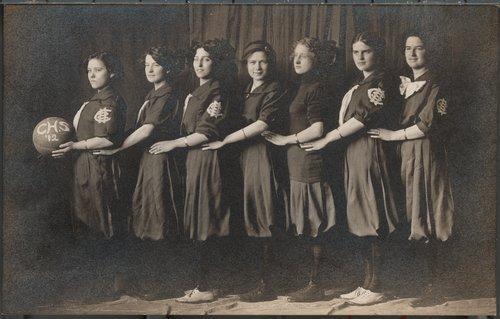 Cimarron High School women's basketball team, Cimarron, Kansas - Page